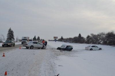 ВУсольском районе вДТП из 3-х авто умер человек