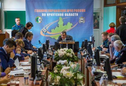 Руководитель МЧС вСибири назвал неудовлетворительной работу властей Приангарья налесных пожарах