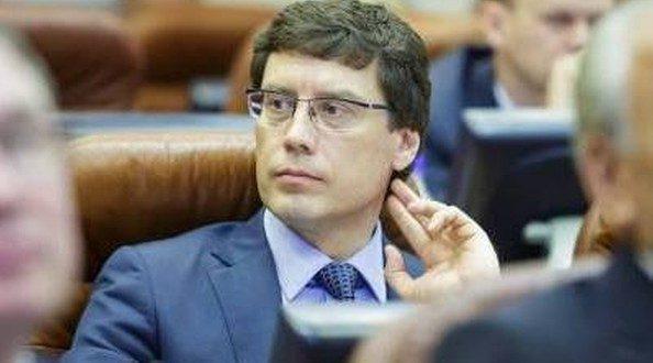 Эдуард Дикунов возглавил комиссию поРегламентуЗС Приангарья