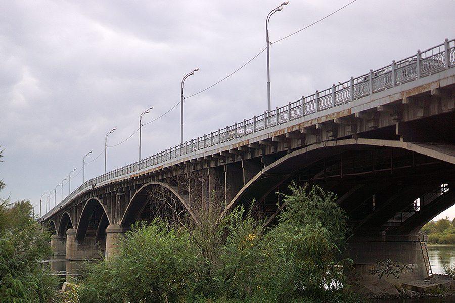 Мэрия установит барьерные ограждения наИркутном мосту после ДТП савтобусом №37