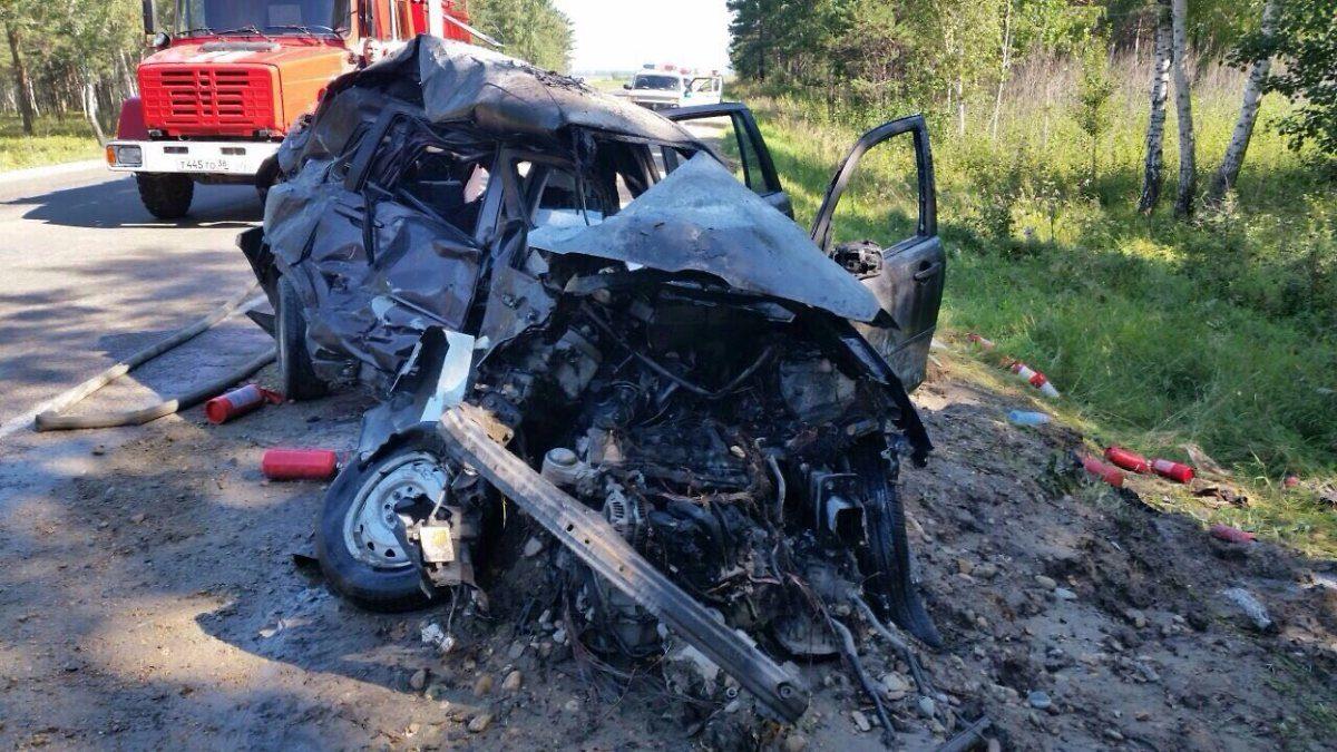 Наобъездной дороге Ангарска вДТП сучастием 2-х иномарок погибла женщина