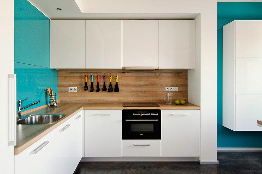 Дизайн кухни белое дерево