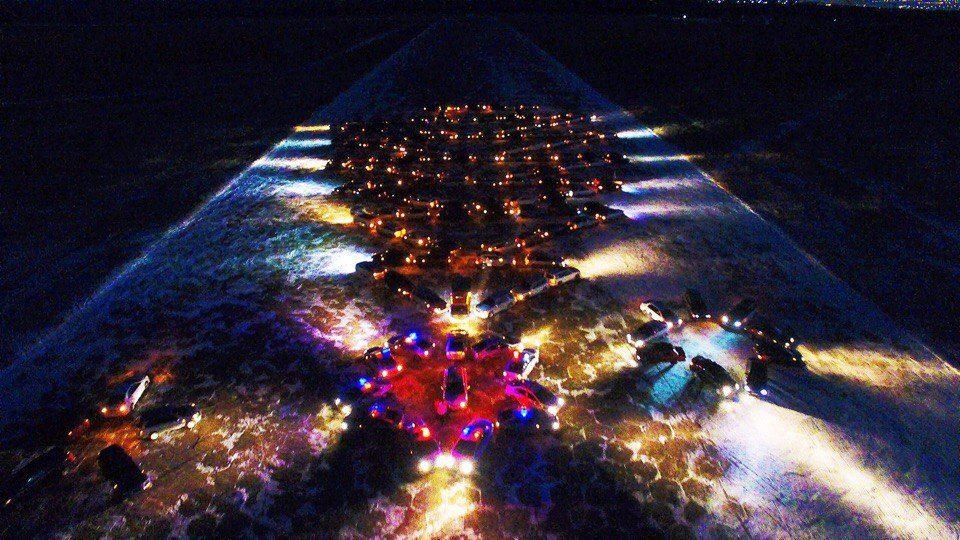 ВЧите собрали новогоднюю елку из159 авто