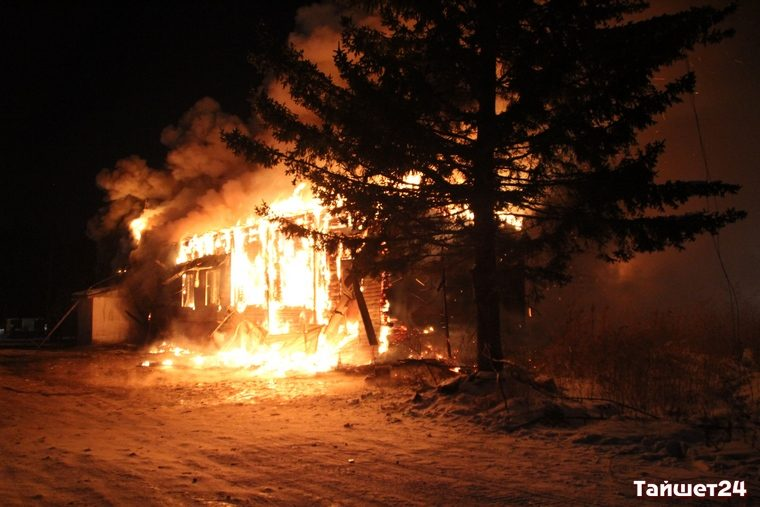 Пожар уничтожил котельную имагазин «Светофор» вТайшете