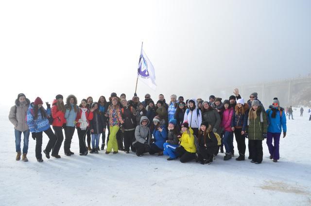 Студенты и педагоги посвятили 80-летию Иркутской области ледовый переход