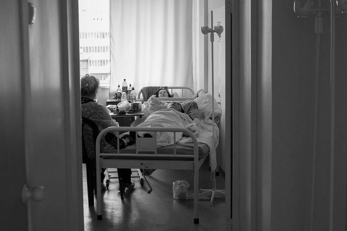 Виркутской клинике погибла пенсионерка, пострадавшая впожаре вдоме престарелых