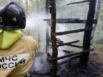 Двое молодых людей сгорели вшалаше вБратске