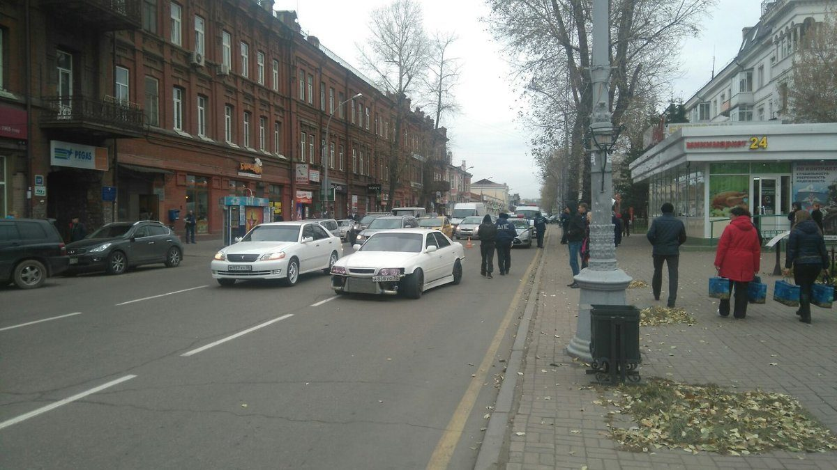 Вцентре Иркутска автомобиль сбил школьника