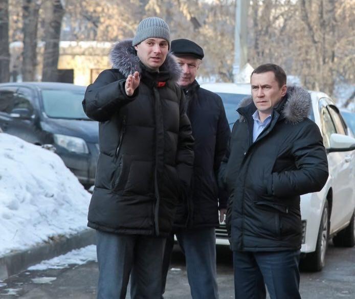 Мэр Иркутска поручил усилить контроль над работой управляющих компаний поуборке дворов