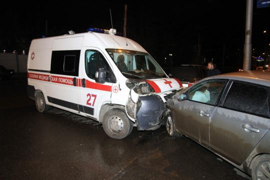 ВИркутске машина скорой помощи столкнулась синомаркой