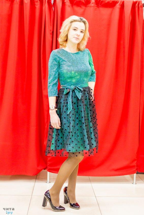 12eeeaa6b718 Скидки на новогодние платья, одежду и обувь для всей семьи подарит ...