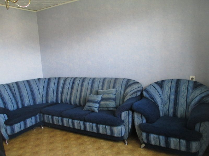 диван в дар шкаф из Ikea и кровать чердак обзор доски объявлений