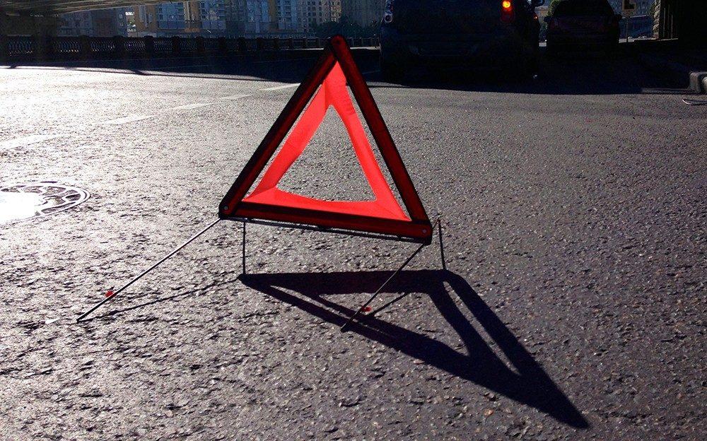 ВИркутске пьяная пенсионерка врезалась вдве машины исветофорный столб