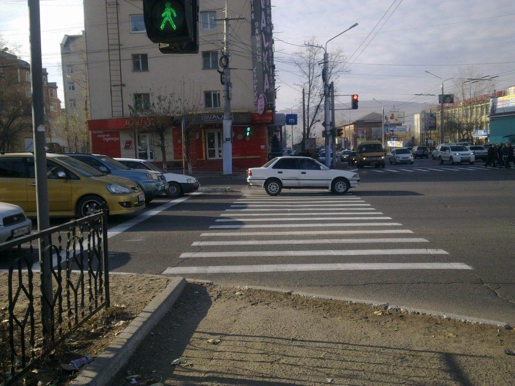 Обои Светофор, улица, такси, люди, реклама, дома. Города foto 12