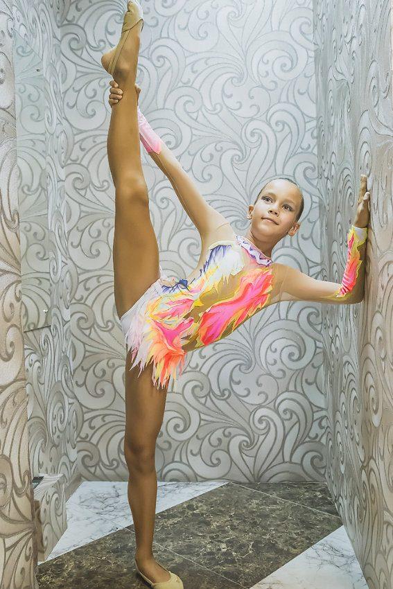 гимнастка в долчиках