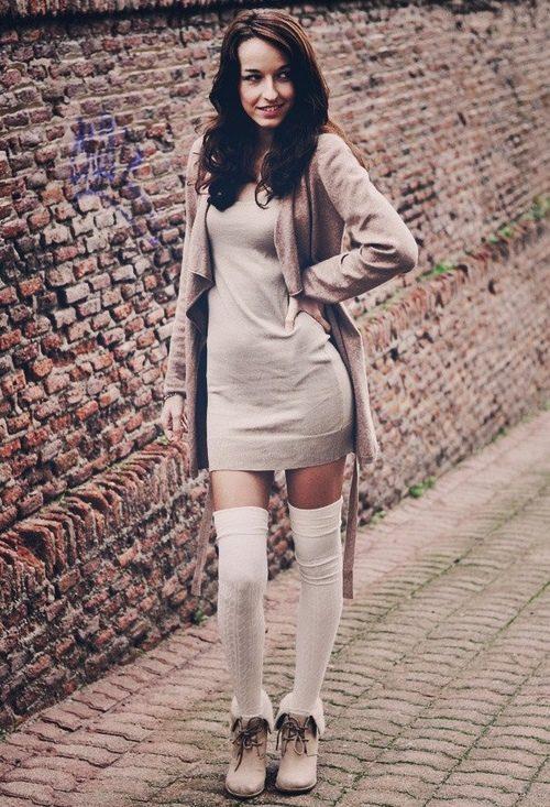 Гетры с коротким платьем